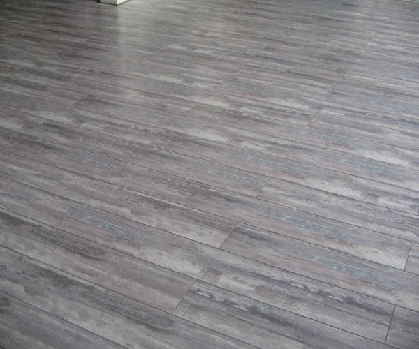 烟灰色地板搭配效果图